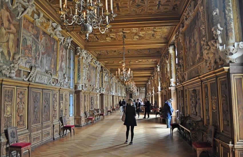 قصر فونتن بلو،