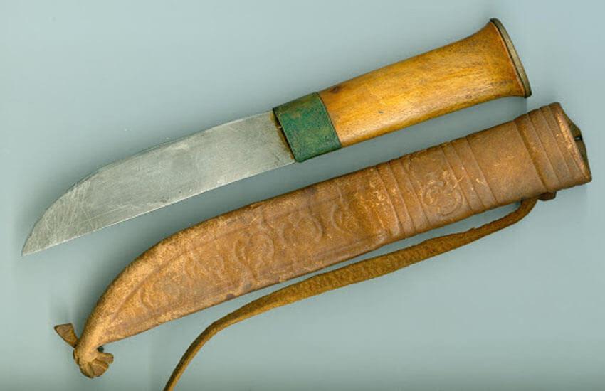 چاقویی از عاج گراز وحشی