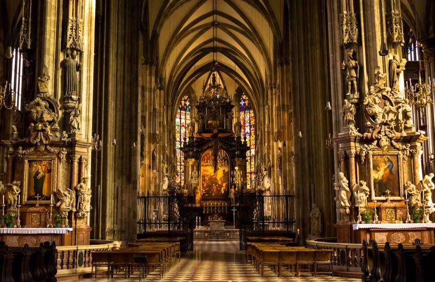 جاذبه های گردشگری اتریش - کلیسای جامع سنت استفان