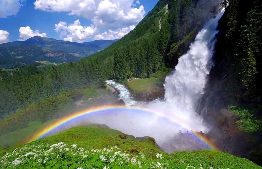 جاذبه های گردشگری اتریش - آبشاری در دل کوههای آلپ