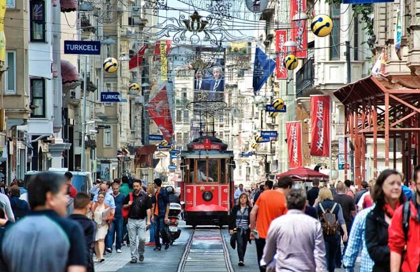 مراکز خرید استانبول - خیابان استقلال