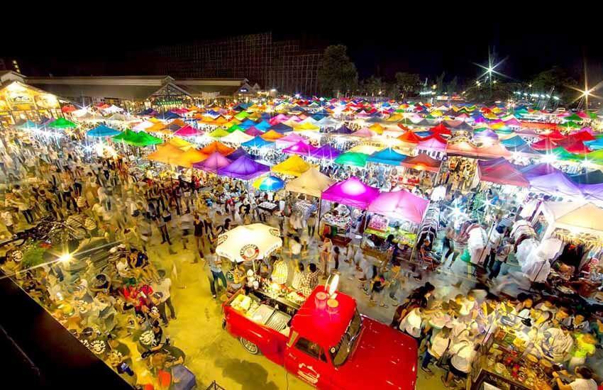 مراکز خرید بانکوک - بازار شبانه قطار